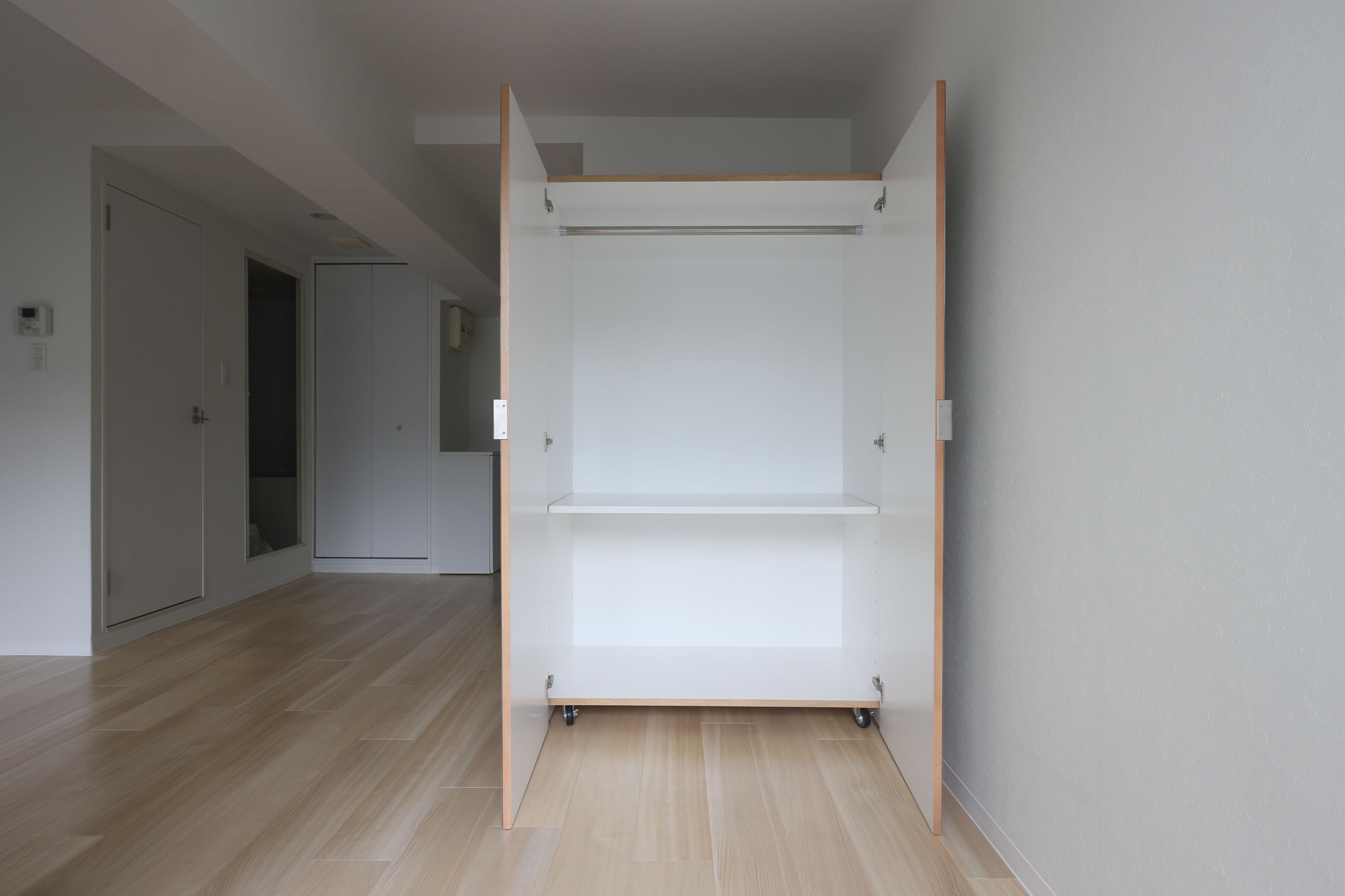 可動収納家具